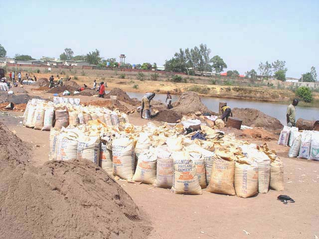 4,000 Bags of Zircon Sand Missing … CID Investigates 2 Indians thumbnail