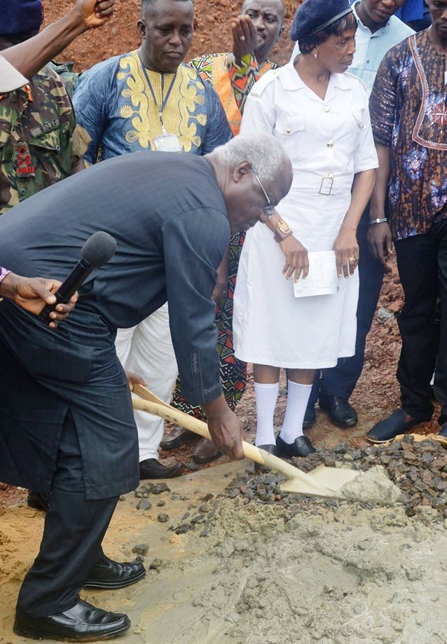 President Koroma launches contemporary quarters for army thumbnail