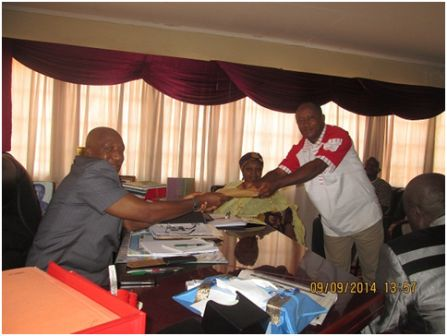 Friends of Ernest Koroma (GAMBIA) give GD10,000 to fight Ebola thumbnail