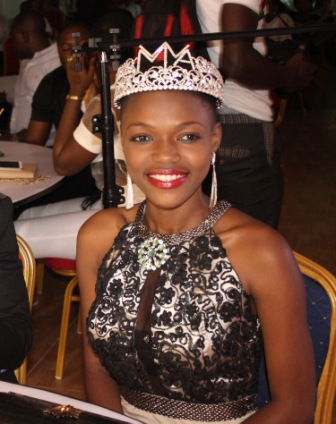 [Obrazek: Hawa-Kamara-Miss-West-Africa-International-2013.jpg]